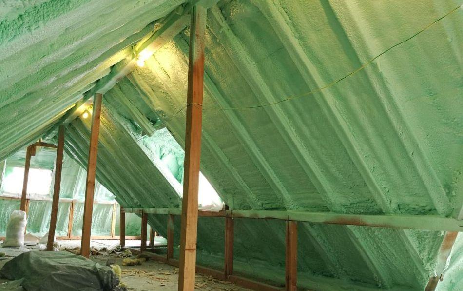 izolarea mansardei cu spuma poliuretanica