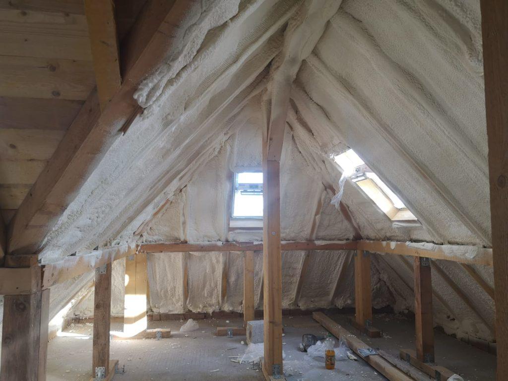 construire acoperis spuma poliuretanica