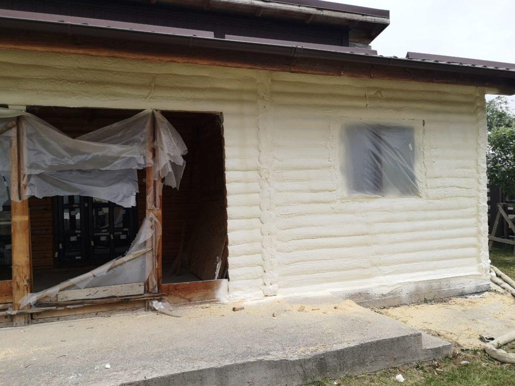 izolarea caselor cu spumă poliuretanică