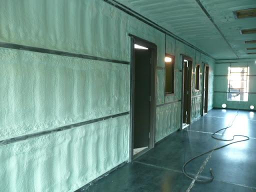 izolatie pereti spuma poliuretanica