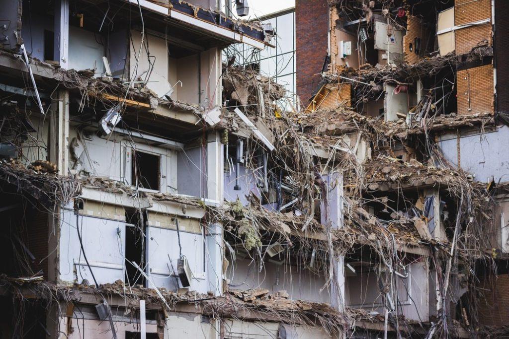 spuma poliuretanica la cutremure