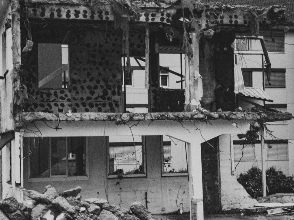 izolatie cu spuma poliuretanica cutremur